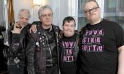 El síndrome de down no ha evitado que esta banda punk tenga éxito (VIDEO)