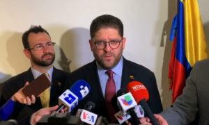 Enviado de la OEA pide a Curazao y Aruba que regularicen a los venezolanos