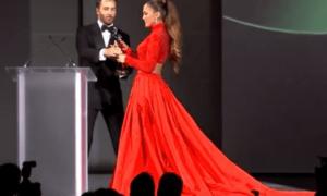 JLo deslumbró en premios de la moda en NY
