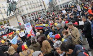 España promete cerca de $ 60 millones para asistir a refugiados venezolanos