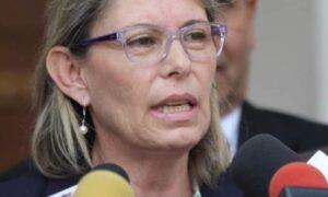 """Diputada Lozano: """"Para recuperar nuestra democracia la dictadura se debe enfrentar desde todos los ámbitos"""""""