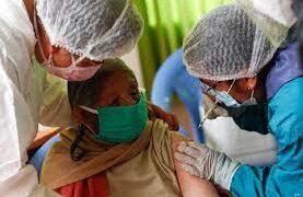 Bolivia reporta escasez de vacunas y problemas en la inmunización masiva