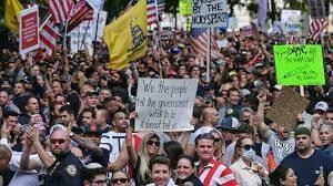 Bomberos protestan en centro de Nueva York en contra de la vacunación obligatoria